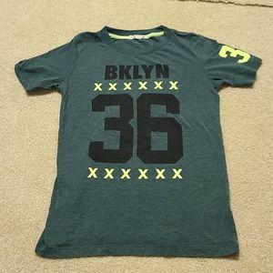 H&M Boys 10-12 T-shirt